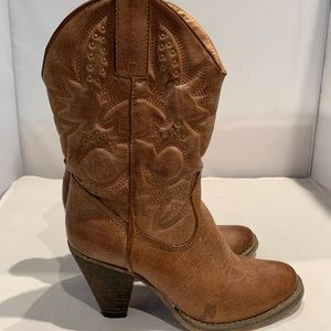 Very Volatile Western Boots